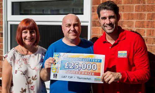 Winner Ian with wife Paula and Street Prize Presenter Matt Johnson