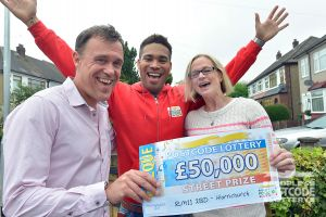 06. Danyl with Street Prize winner Darren and his wife Hayley