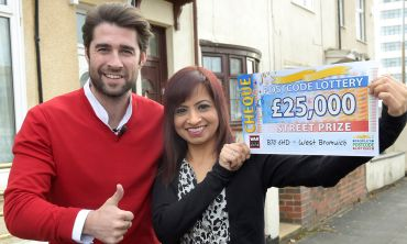 Lucky West Bromwich winner Kam with Street Prize Presenter Matt Johnson