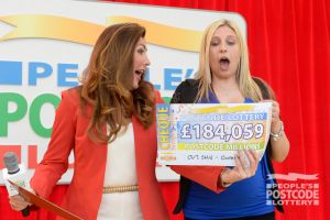 08. Big winner Jesica and her fantastic £184,059 cheque