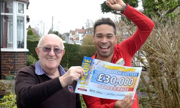 Lucky winner Peter celebrating with Street Prize Presenter Danyl Johnson