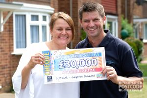 Lynn was excited to meet Street Prize Presenter Jeff Brazier, and is going to treat her family with her winnings