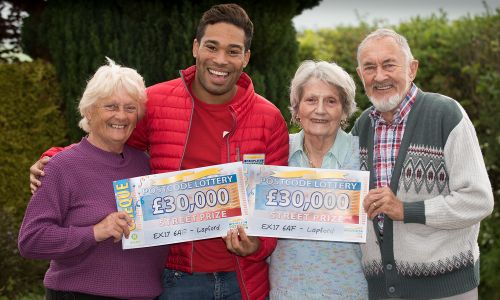 Doris, Anthony and Jennifer with Street Prize Presenter Danyl Johnson