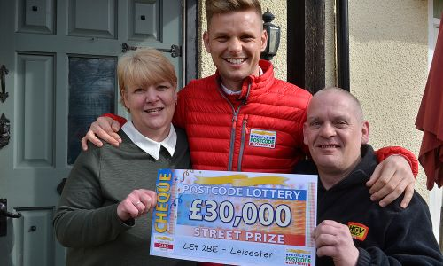 Happy winner Jayne with her husband Dave and Street Prize Presenter Jeff Brazier