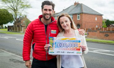 Glapwell winner Harly with Street Prize Presenter Matt Johnson