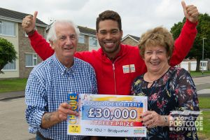 Sue and her husband John with Street Prize Presenter Danyl Johnson