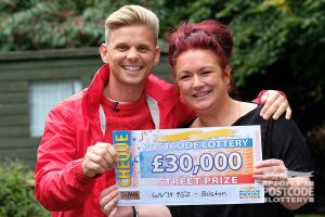 Susan was excited to see Street Prize Presenter Jeff Brazier at her door, and even more excited to see how much she had won