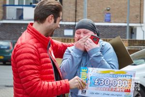 Tina couldn't believe her eyes when Matt handed over the cheque!