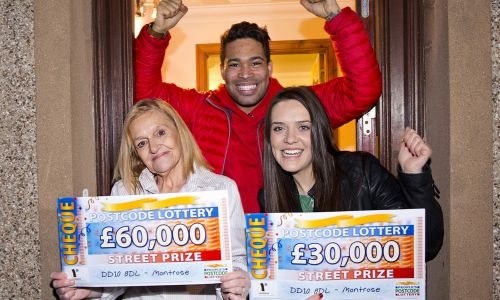 The lucky Montrose winners with Street Prize Presenter Danyl Johnson