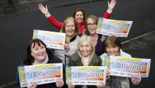 Lucky Billingham winners with Street Prize Presenter Judie McCourt