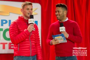 Street Prize Presenters Jeff Brazier and Danyl Johnson getting ready for the big prize presentation
