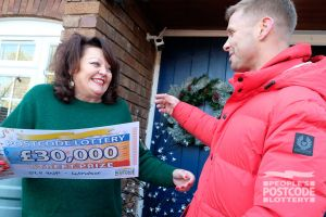 Jeff surprises Fiona P with a special visit, and an amazing cheque