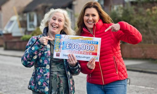 Happy winner Hazel with Street Prize Presenter Judie McCourt