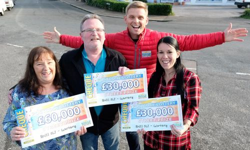Street Prize Presenter Jeff Brazier with our happy Worthing winners