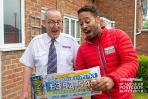 Ian had just clocked off from a ten-hour shift. Danyl was waiting to present him with a cheque for £353,547!