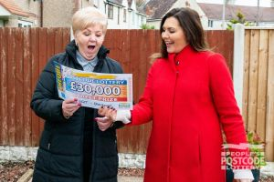 Judie surprises Sandra with a whopping £30,000 cheque