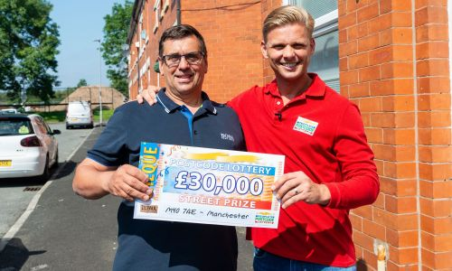 Jeff with Manchester winner Tony and his amazing £30,000 cheque