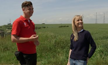 Fiona Phillips chats with Chris Doolan from the National Trust at the White Cliffs of Dover