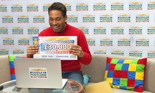 Street Prize Presenter Danyl Johnson reveals our Somercotes winner's £30,000 windfall through a video call