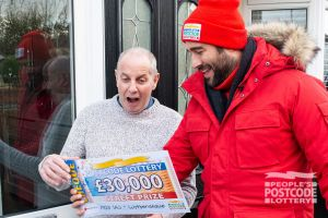 Alan showing his surprise when Matt revealed his £30,000 cheque